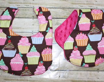 Cupcake Baby Bib and Burp Cloth Set- Cupcake Baby Bib-Baby Bib-Burp Cloth- Girls Baby Bib and Burp Cloth Set- Minky Baby Bib