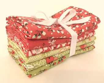 Fig Tree Fabric - Fig Tree Fat Quarter Bundle - Christmas Fabric Colorway - Fig Tree Quilts - Fig Tree Bundle