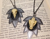 SILVER OPTION - Large Leaf Style Pendant Necklace With Replica Wolf or Crow Skull