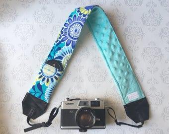 DSLR Minky Camera Strap, Padded with Lens Cap Pocket, Nikon, Canon, DSLR Photography, Photographer Gift, Wedding - Aqua Flowers with Aqua