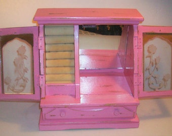 Vintage Pink Jewelry Box with 2 Glass Doors with an Etched Floral Design Shabby Chic