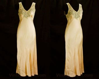 Size 8 Hollywood Style Nightgown - Authentic 1930s Sexy Peach Bias Cut Silk Negligee - 30s Glamour Girl - New York Label - Bust 36 - 48719