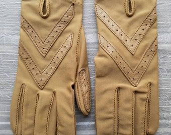 Vintage Isotoner By Aris Tan Driving Gloves Ladies 1980s One Size Fits All