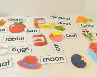Educational Word Wall Alphabet Felt pieces flannel board AS IS missing 3 letters