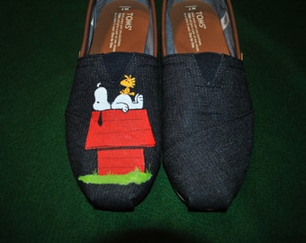 New Custom Hand Painted Snoopy design... snoopy on his house on Mens Toms.. sorry sold