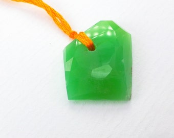 Chrysoprase Bead. Natural Chrysoprase Tavernier Cut. Geometric. DRILLED. 1 pc. 16x21x5 mm  (CH365)