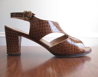 brown heeled sandals - 70s vintage D'Antonio Bullock's brown embossed faux snakeskin leather heels open toe pumps slingback size 8