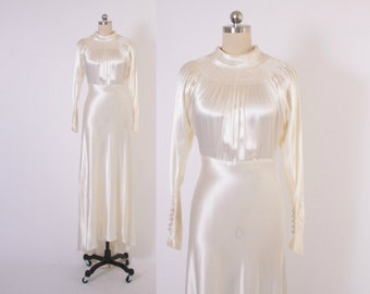 Vintage 40s WEDDING DRESS / 1940s Ivory SATIN Long Sleeve Bridal Gown with Short Train Xs - S