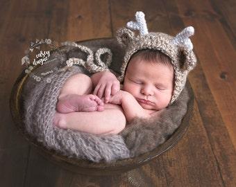 Reindeer Bonnet, Reindeer Hat, Newborn Reindeer, Christmas Hat, Newborn Photo Prop, Beige Reindeer, Reindeer with Flowers, Holiday Hat, Baby