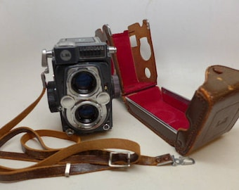 Vintage Yashica 44 LM 6x6 cm Medium Format Film Camera - Vintage Camera - Yashica - Medium Format Camera