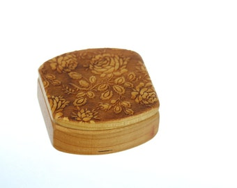 "Rose Wooden Box, Solid Cherry, Pattern MS11 Roses, 1-3/4""L x 1-7/8""W x 7/8""D, Paul Szewc, Masterpiece Laser"