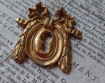 Delicieux antique French keyhole escutcheon plate c1880 unused Ribbon garland and laurel leaves.