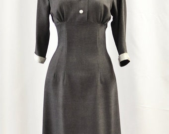 Season sale SALE 50s style wiggle dress in gray wool, size US 4 / wiggle dress / winter dress / vintage style dress / Sample