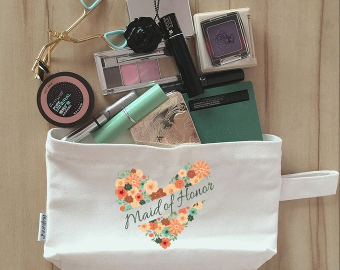 6 Bridal Party Makeup Bag, Canvas, Bridesmaid Makeup Pouch, Wristlet, Customize for FREE Heart Wreath