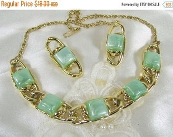 Spring Special Sale Vintage Necklace Earrings Set Aqua Blue Frosted Lucite Thermoset Clip On