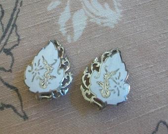 Vintage white Niello sterling, clip earrings, Niello clips, vintage Niello earrings, Goddess of Llightning, Siam sterling, Siamese, Mekkalah