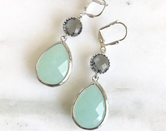 Cloudy Mint and Charcoal Grey Dangle Earrings in Silver.  Bridesmaid Earrings. Dangle Earrings. Mint Drop Earrings. Wedding Jewelry. Bridal.