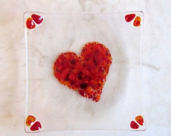 Heart Plate, Red Glass Heart, Fused Glass Heart Plate, Fused Glass Soap Dish, Mother's Day Glass Gift, Valentine's Day Gift, Romantic Gift