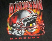 Wisconsin Badgers football shirt helmet 90s large college university