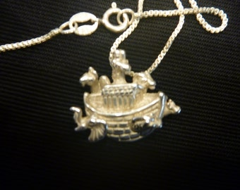 Vintage STERLING NOAH'S ARK Pendant Necklace