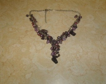 vintage necklace silvertone chain purple lilac glass lucite bead dangles