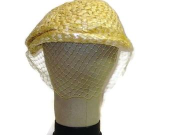 1950s Shell Hat Wedding Hat Cellophane Straw Hat Cream Hat Veil  Off White Dress Hat 50s Hat  Birdcage Veil Vintage Womans Hat Summer Hat