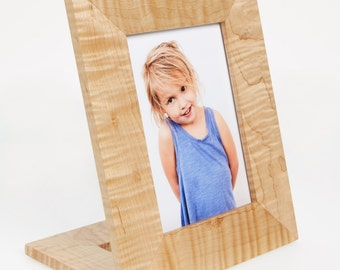 "Curly maple wood free standing vertical picture frame 5"" x7"""