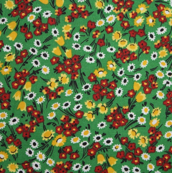 Flower fabric,Floral fabric,Green flower fabric,Calico cotton fabric,100% cotton fabric,Quilt,Apparel,Craft,Sold by FAT QUARTER INCREMENTS