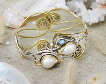 Dolphin Heart Of Pearl Bracelet (SH)