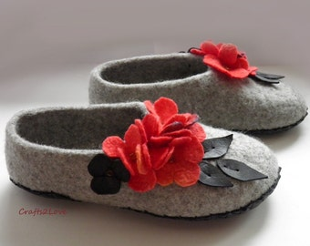 Felted slippers, Women slippers, wool slippers with leather soles, Grey, black, red, Warm bedroom slippers, Natural, eco - Made to order