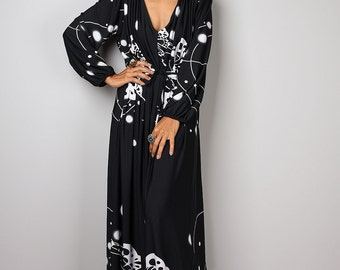 Black Dress, Long sleeved dress, Black and white dress, long black dress, pleated dress, maxi dress : Funky Elegant Collection no 22