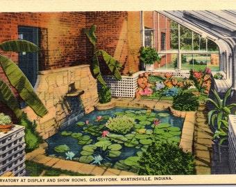 Martinsville, Indiana, Grassyfork, Conservatory, Show Room - Linen Postcard - Postcard - Unused (Z)