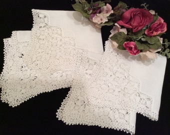 Vintage 4 Matching Square White Crocheted Lace and Linen Doilies, Grandmom's Vintage Linens, 4 Matching Doilies