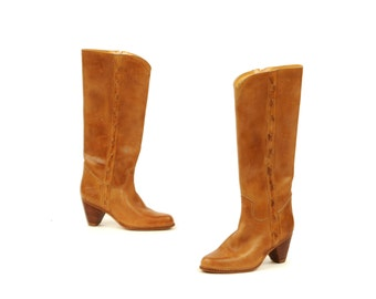 Vintage 1970's The Wild Pair Light Brown Tan Leather Campus Stacked Wooden Heel Knee High Boots 7