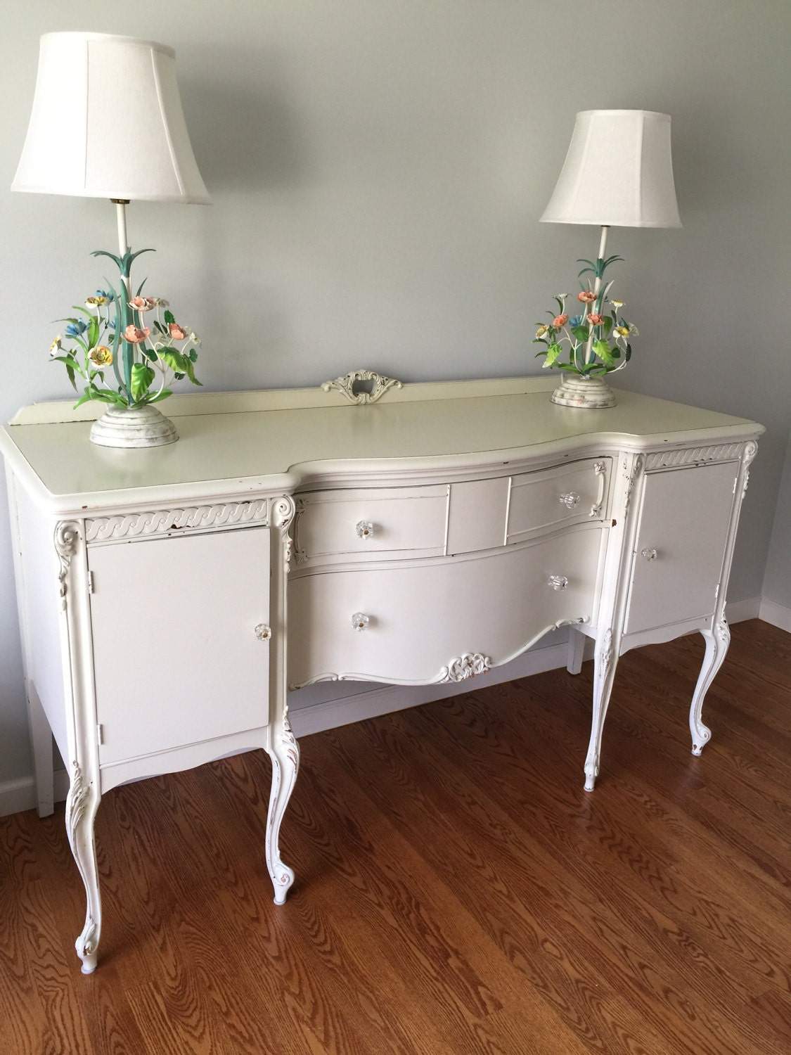 Vintage large white shabby chic buffet sideboard french for Sideboard shabby chic