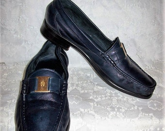 Vintage Ladies Navy Blue Leather Slip Ons Loafers by Etienne Aigner Size 8 Only 5 USD
