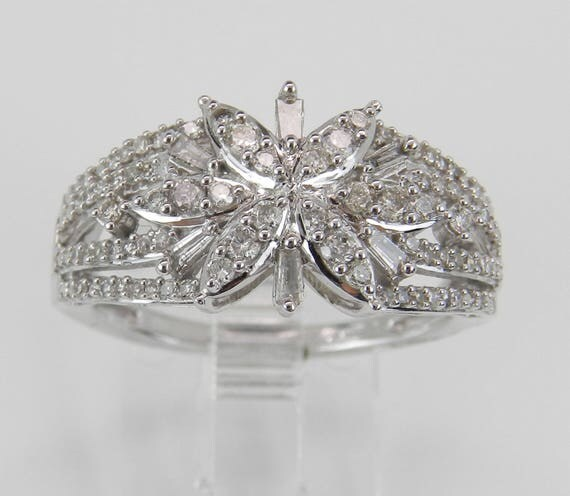 Diamond Cluster Cocktail Snowflake Ring set in White Gold Band Size 7