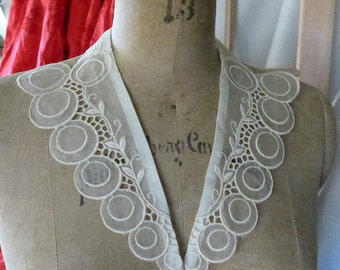 Vintage Collar Organza Ecru Sheer Embroidered Lace Look Ready to use Eyelet look