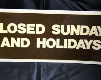 """Vintage U.S. Postal Service 1972 """"Closed"""" Sign/Decal - Unused"""