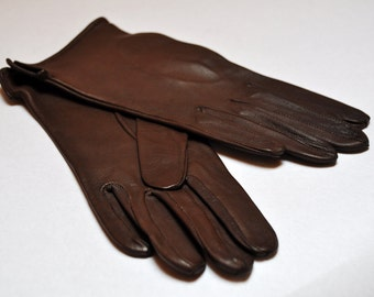 NOS Vintage Soft Chocolate Brown Leather Driving Gloves