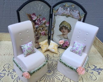 Barbie Doll House STAINED GLASS Sitting Area Living Room VIGNETTE Room Furniture & Accessories Screen Pillows Chairs