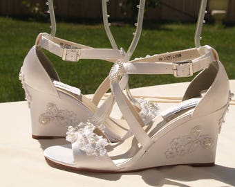 Lace Wedding Wedge Shoes criss crossed straps, Bridal high Wedge shoes white or ivory, embellished white lace appliqués