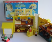 Fisher Price Play Family House #952 - Complete In Box