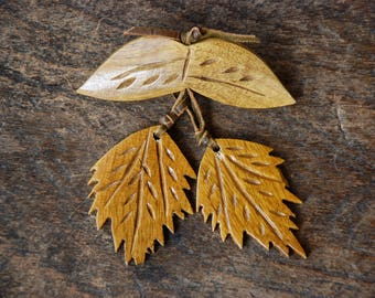 Vintage Wood Brooch Leather Ties Carved Leaves Dangle Brown Fall Jewelry Retro 1940's // Vintage Costume Jewelry