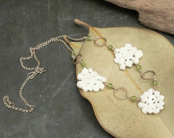 Queens Lace Ceramic Necklace with Peridot in Sterling Silver