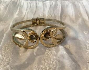 Vintage Gold Tone Spring Hinged Bracelet,Floral Bracelet