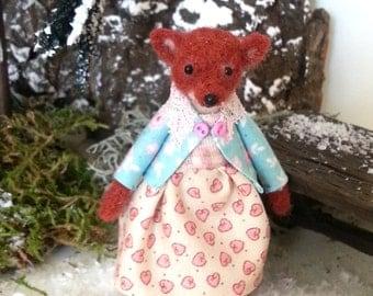 Fox girl -  Artist  fox, needle felted fox, woodland fox, miniature fox, dollhouse fox, dollhouse animal, dollhouse miniature