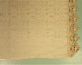 Beige Crochet Lace Table Runner - Vintage Jacquard Weave Cloth