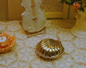 Vintage Silver Candydish Soapdish Shell Lidded Cottage Chic