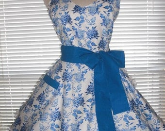 Retro Apron Ginger Jar Blue and White Circular Flirty Skirt